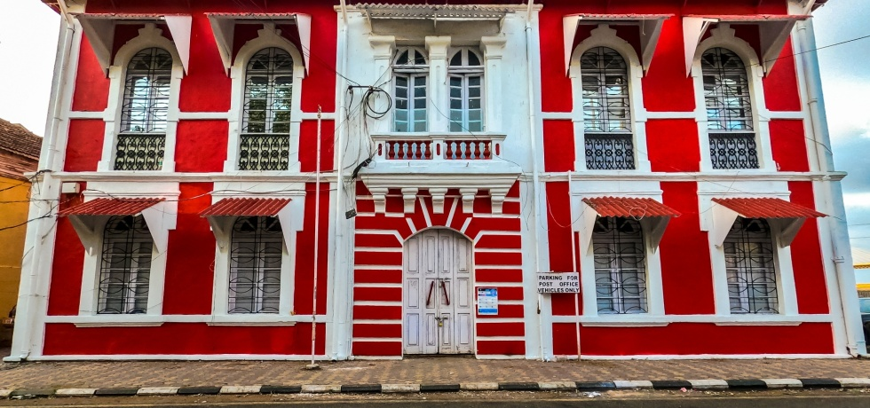 Panjim GPO building at Tobacco Square, Fontainhas